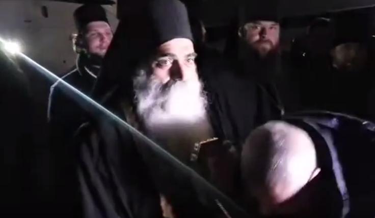 Живым коридором встретили верующие мощи святого Пантелеимона вОдессе