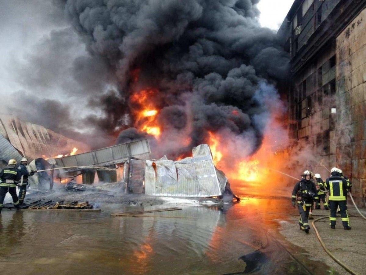 ГСЧС: пожар вКиеве наПодоле локализован, жертв ипострадавших нет