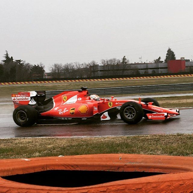 Феттель попал в трагедию впроцессе тестов дождевой резины Pirelli воФьорано