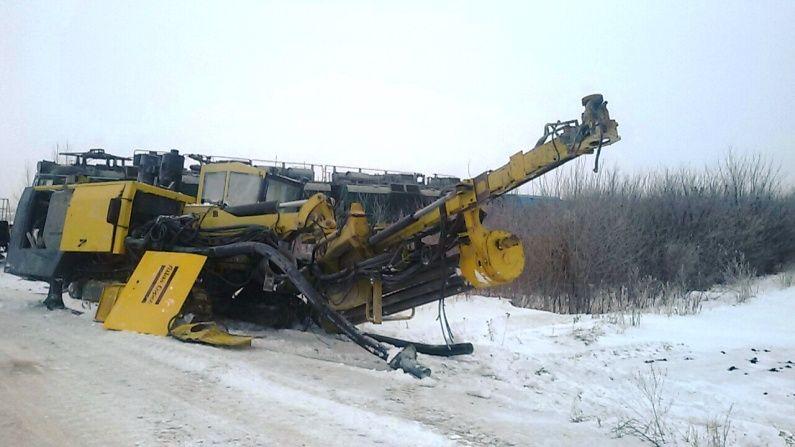 НаОдесской железной дороге случилось столкновение грузового автомобиля споездом