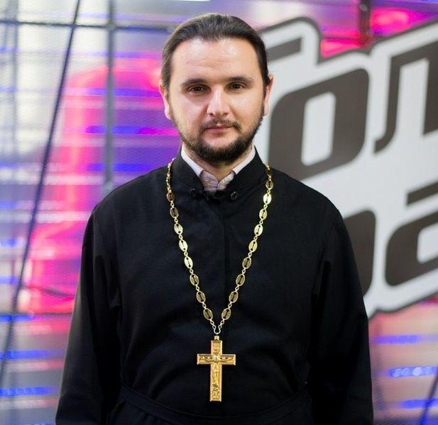 Кароль довел дослез священник на«Голосе страны-7»