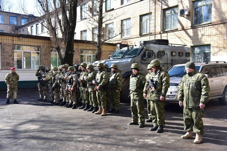 Вгород направили спецподразделение областной милиции — Ситуация вАвдеевке