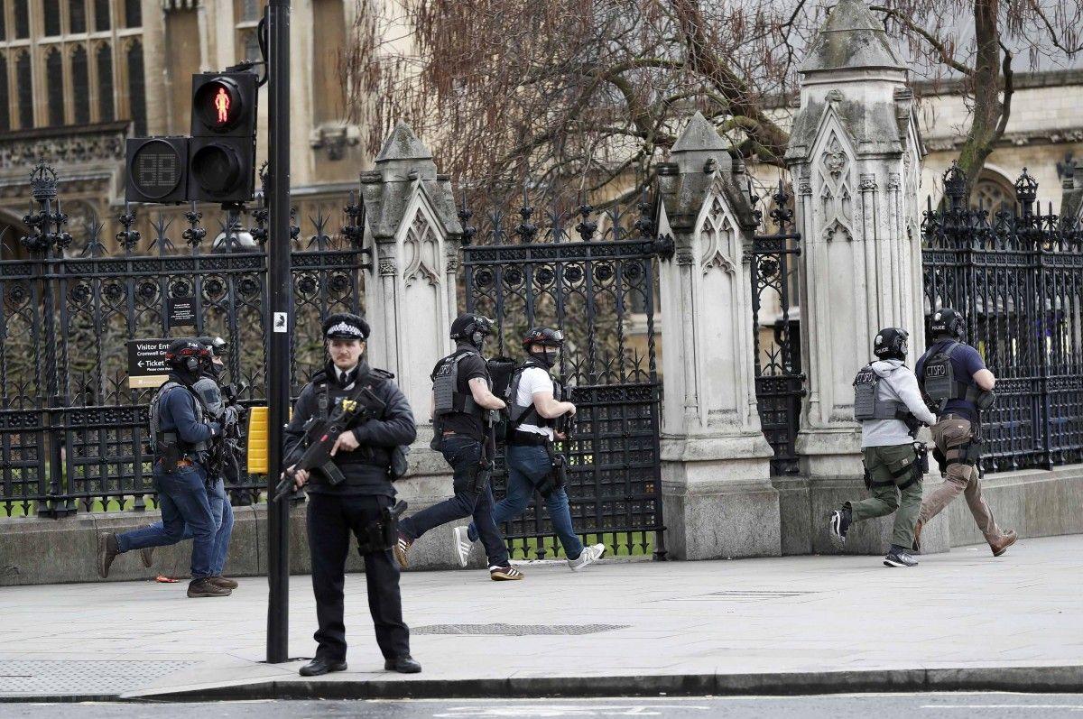 МИД проверяет информацию оналичии украинцев среди пострадавших— Теракт встолице Англии