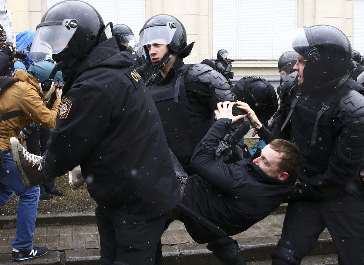 Правоохранители Белоруссии задержали 57 защитников прав человека инаблюдателей, втом числе интернациональных