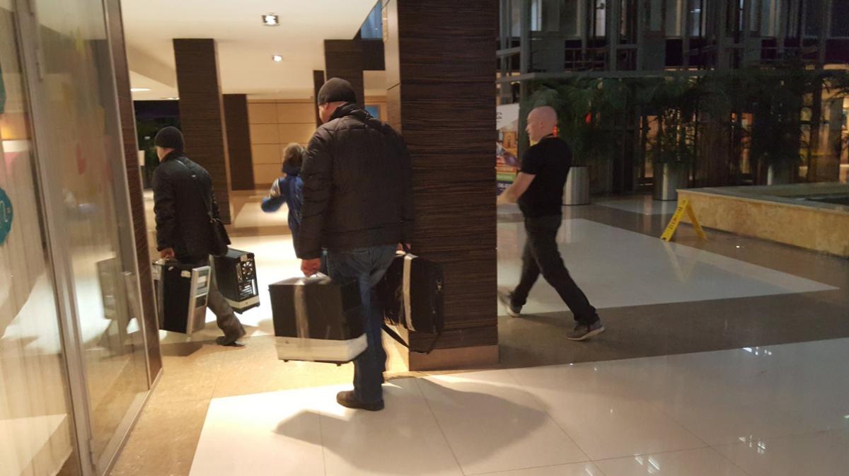 Кабинет ФБК опечатан после обысков