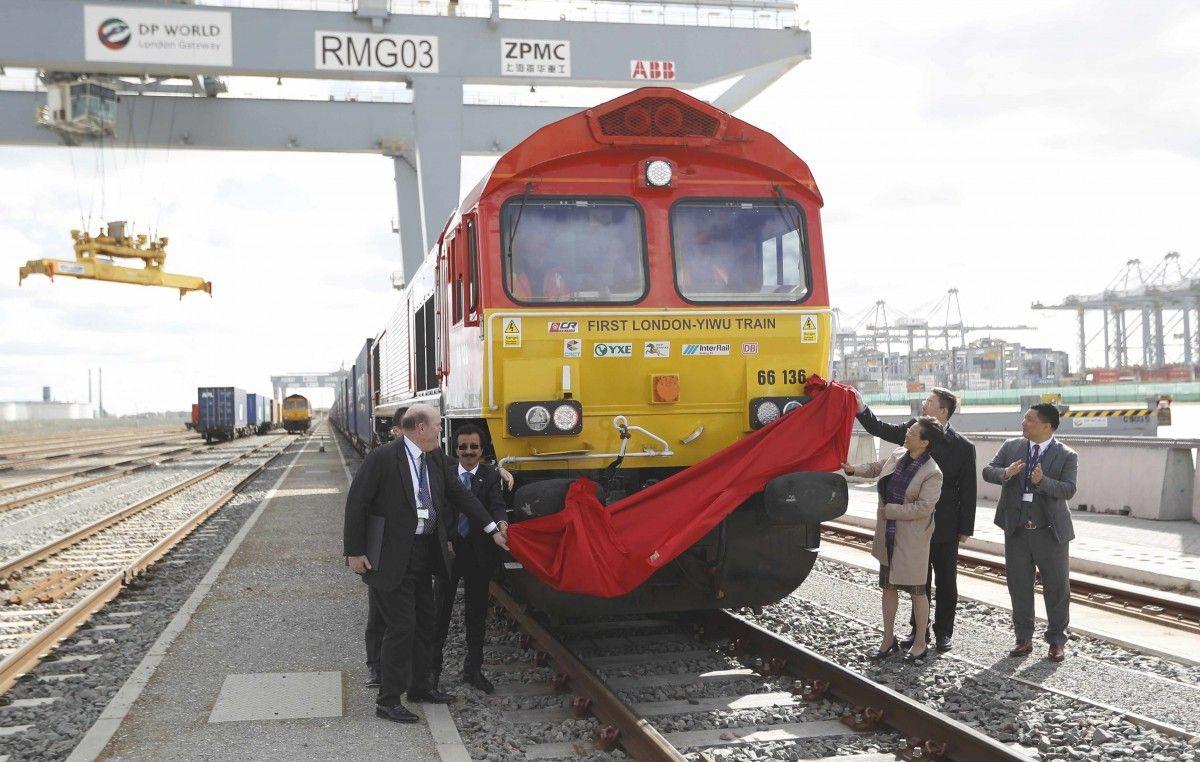 1-ый товарный поезд отправился из Британии в КНР