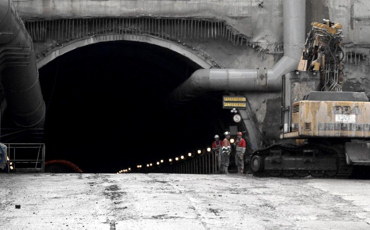 Первый поезд по Бескидскому тоннелю отправится в конце 2017 года