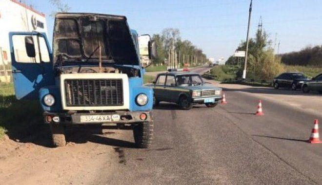ВХарьковской обл. грузовой автомобиль насмерть сбил главы города Дергачей Александра Лисицкого