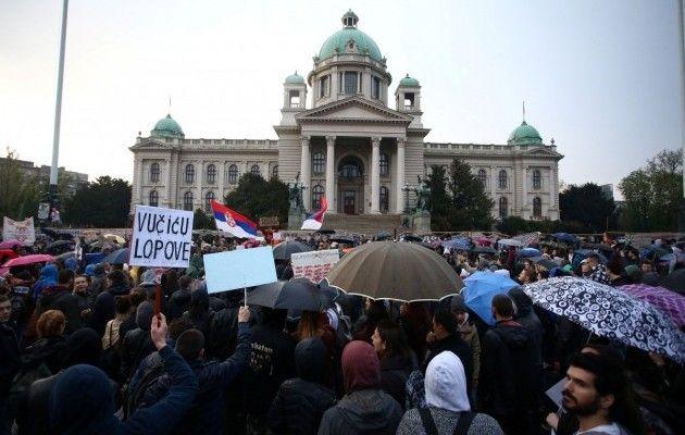 ВСербии прошли протесты против победы Вучича напрезидентских выборах