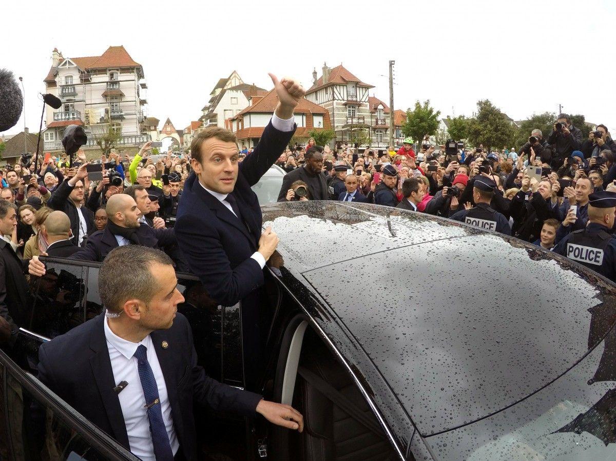 ВоФранции стартовало голосование навтором туре президентских выборов