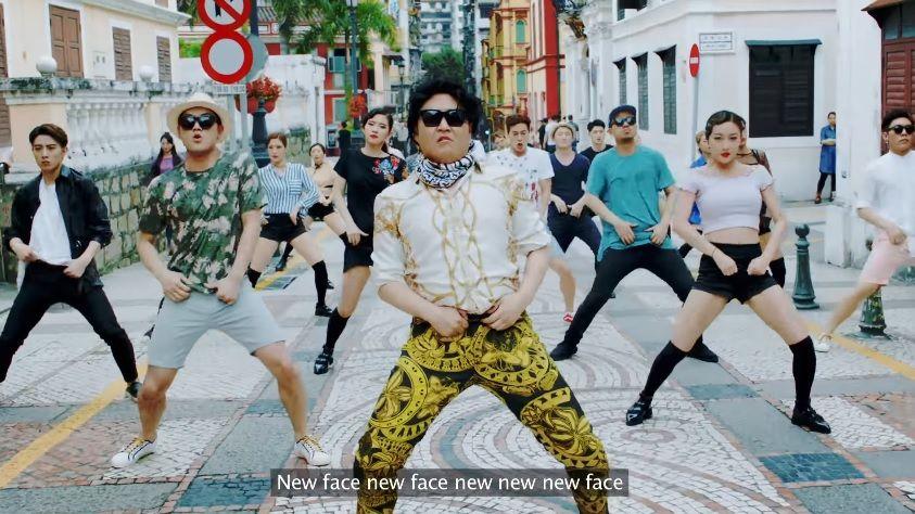 Автор Gangnam Style выпустил два новых клипа
