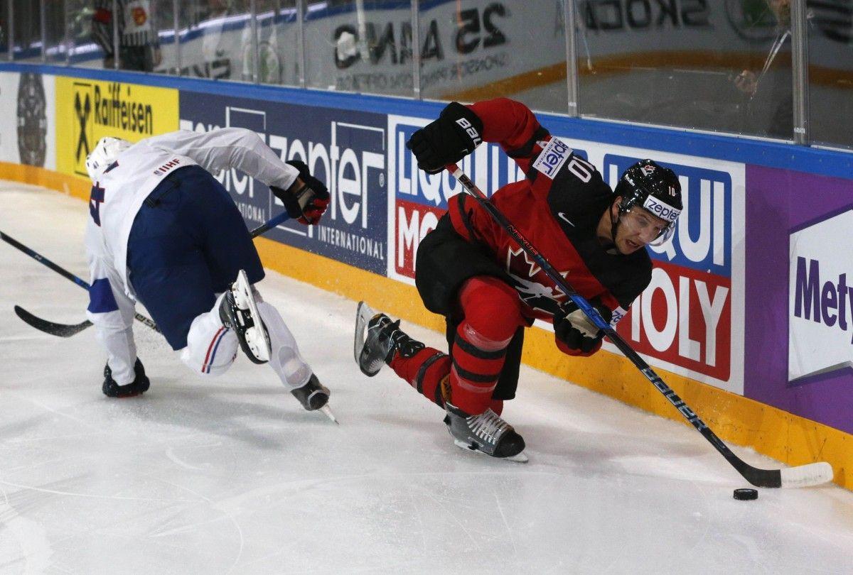 Канадские хоккеисты вырвали победу усборной Франции начемпионате мира
