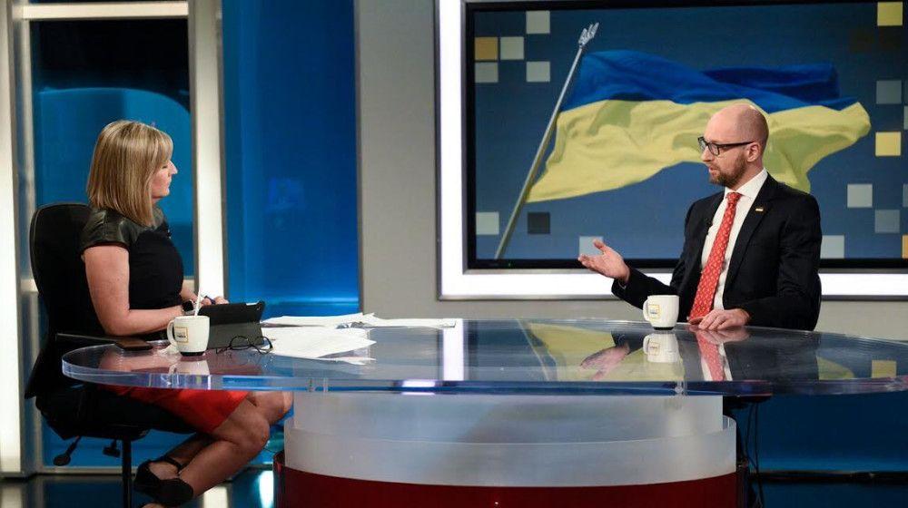 Яценюк встретился спарламентариями Канады
