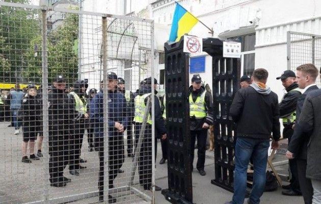 Члены ОУН окружили отделение милиции вКиеве