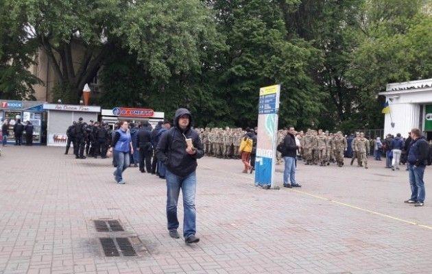 Тысячи человек вышли наакцию «Бессмертный полк» вКиеве