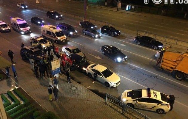 ВКиеве после погони патрульных произошло тройное ДТП