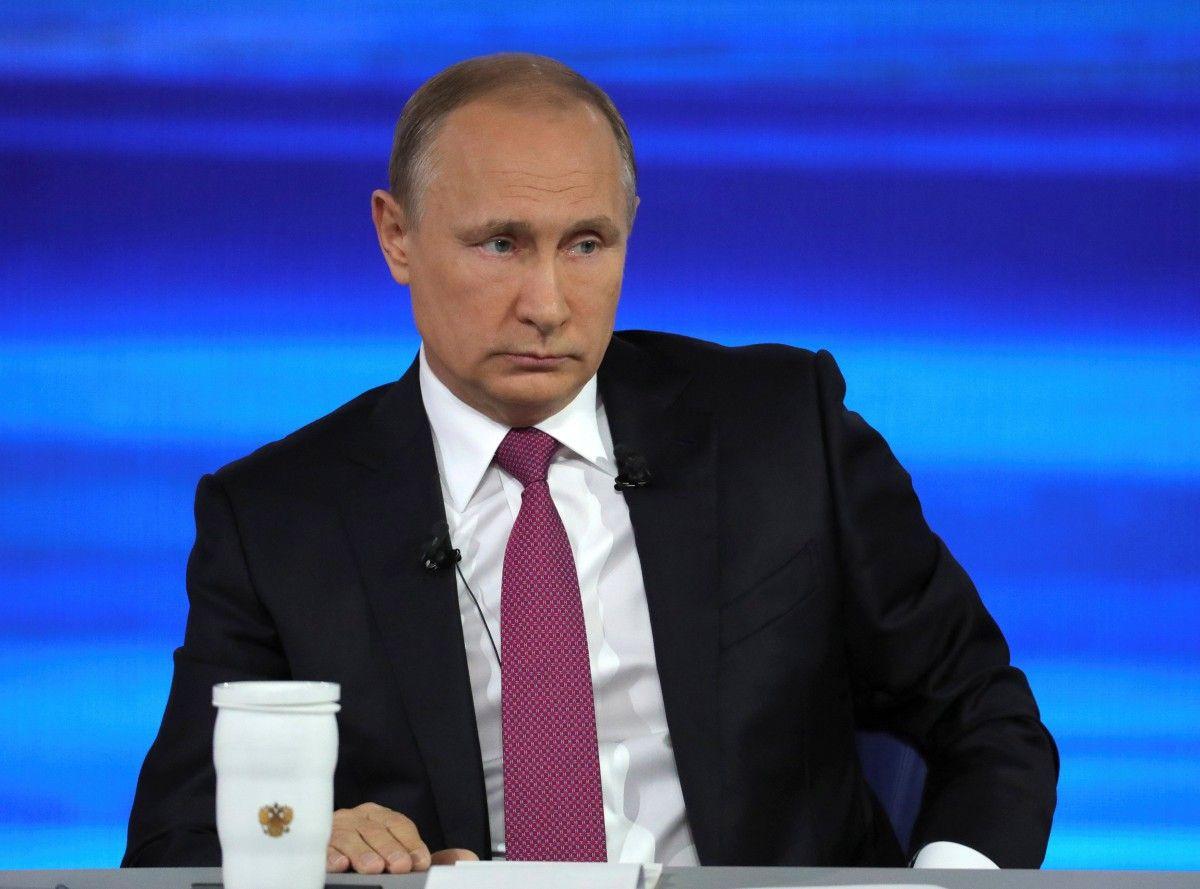 Россияне теряют интерес к прямой линии Путина: он игнорирует важные вопросы