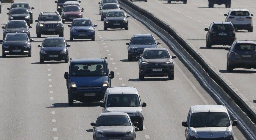 У Кабміні обіцяють, що фінансування доріг не скорочуватимуть