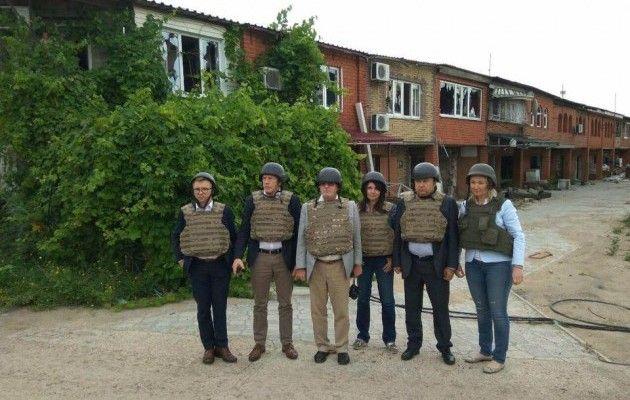 Народные избранники Европарламента Розатти иГалер посетили Днепр иедут взону АТО