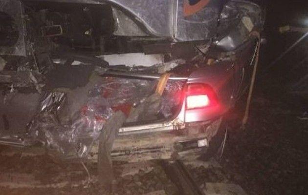 НаКиївщині потяг «Інтерсіті» протаранив авто, залишене наколіях