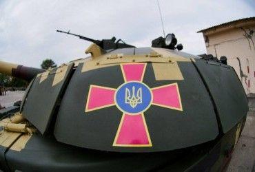У Києві на Хрещатик всю ніч переганяли військову техніку (відео)