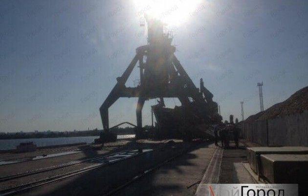 Вниколаевском порту рухнули два крана