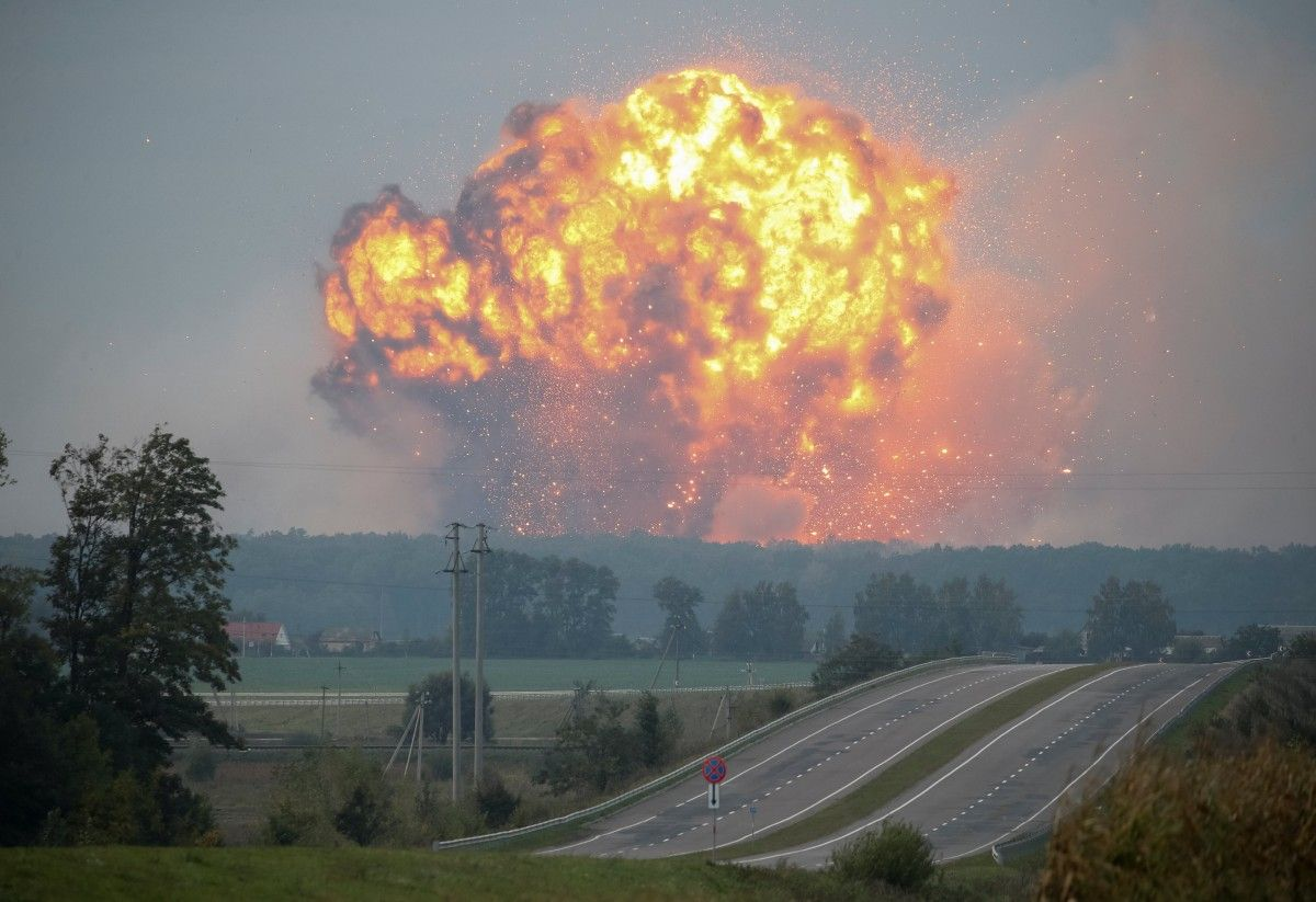 Vybux na skladi bojeprypasiv u Kalynivci / REUTERS