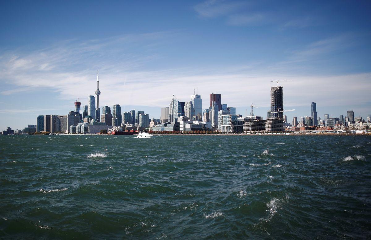 Вартість акційних квитків від МАУ до Торонто стартуватиме від6803 гривень /Фото REUTERS