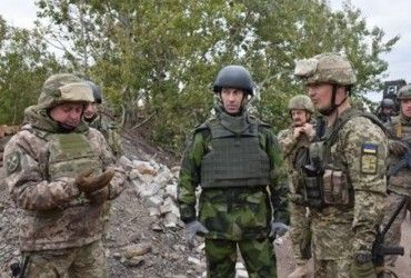 Головнокомандувач Збройних сил Швеції відвідав зону АТО