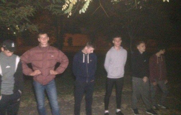 «Стенка настенку»: вцентре Николаева подрались 100 человек