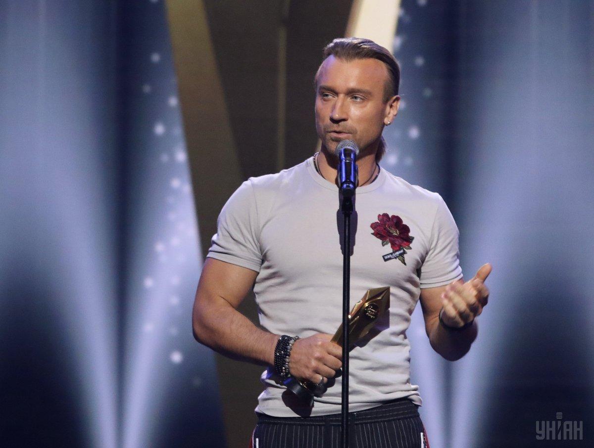 Олег Винник выпустил новую песню и вызвал волну требований от фанаток photo