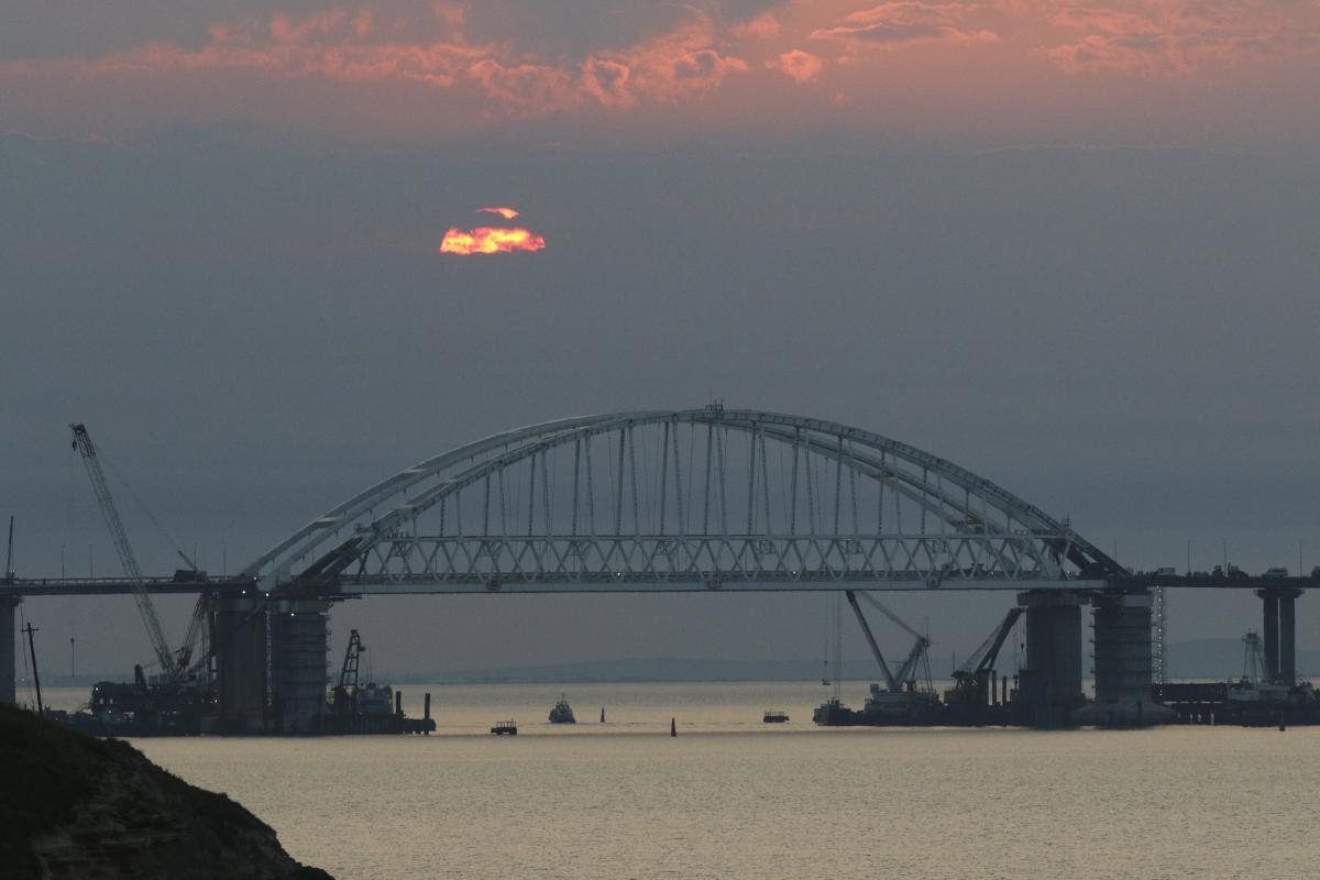 Евросоюз расширил санкции против России за сооружение Керченского моста