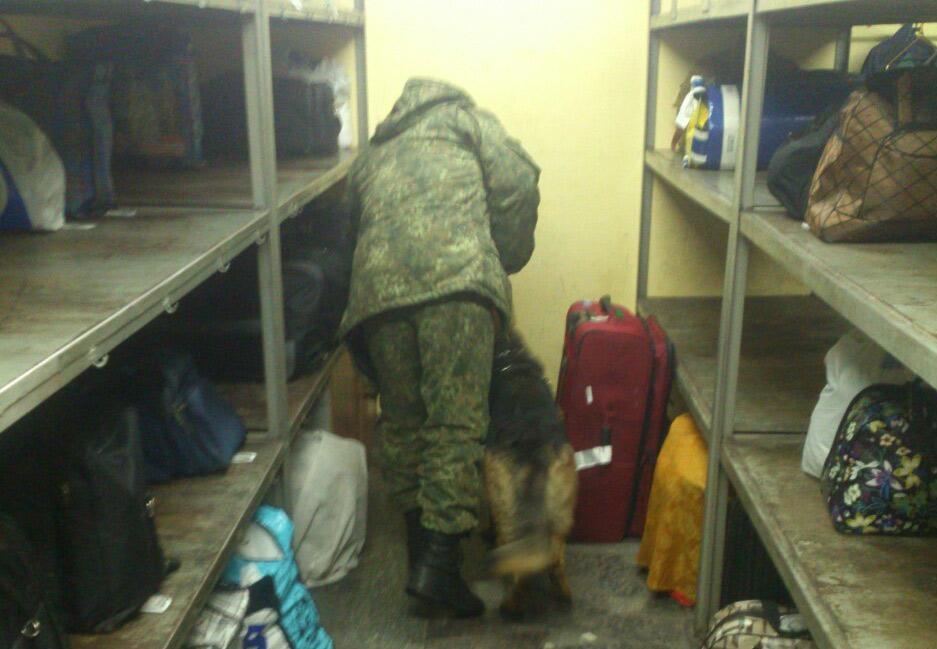 Policija pereviryaje na najavnist' vybuxivky usi vokzaly Dnipra / foto dp.npu.gov.ua