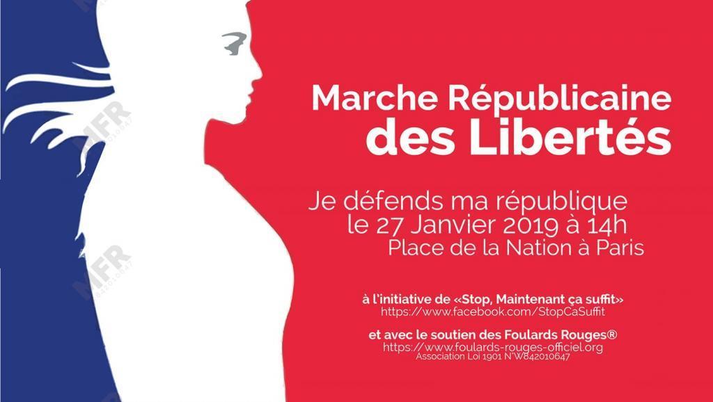 В Париже проходит первая манифестация движения «красные платки» photo