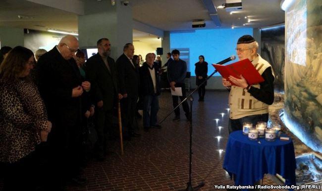 В Днепре почтили память жертв Холокоста и представили фильм о спасении еврейских детей photo