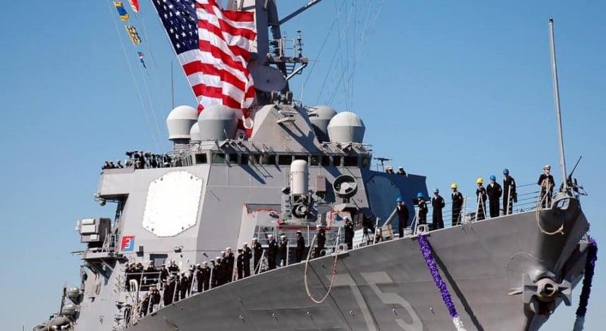 Raketnyj esminec' SŠA USS Donald Cook prybude v port Odesy 25 lyutoho