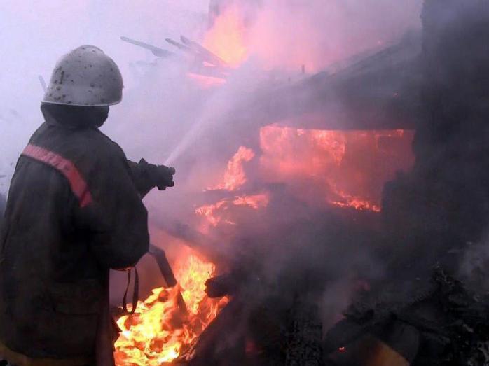 Пожар в российском Дагестане полностью уничтожила два торговых центра, повреждены соседние постройки photo