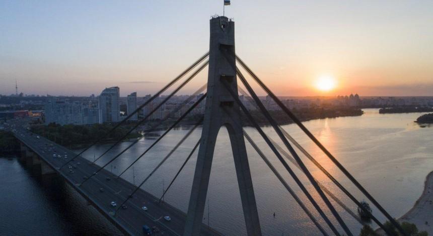 U Kyjevi zavtra obmežat' rux na Pivničnomu mostu v napryamku Troješčyny