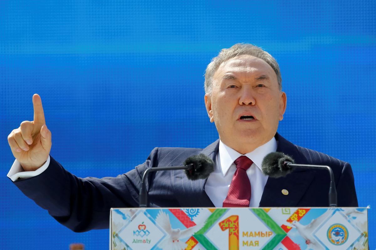 Назарбаев перед отставкой позвонил лидерам пяти стран: сожаление не выразил только Путин