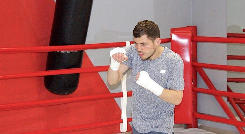 Ukraїns'kyj bokser Berinčyk proviv vidkryte trenuvannya pered zaxystom tytulu (video)