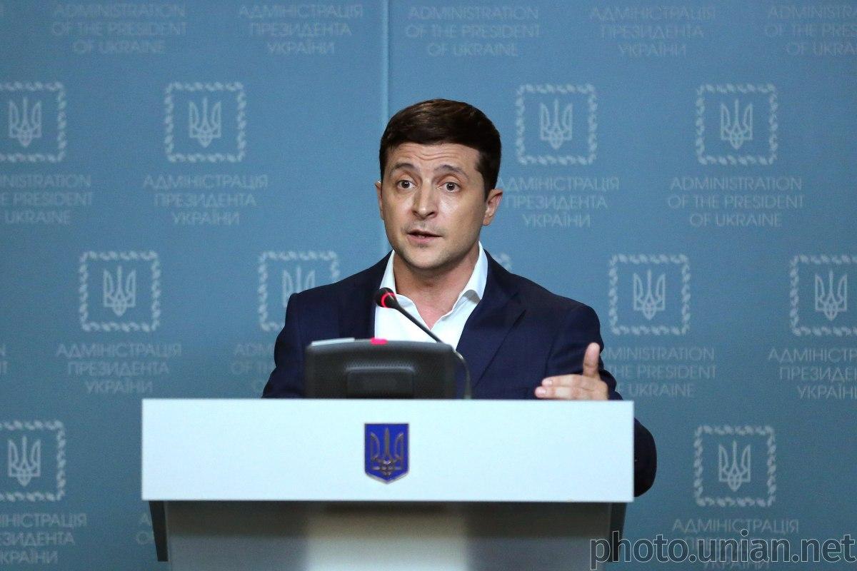 Zelens'kyj vyhnav čynovnyka pid čas vizyta u Boryspol' / foto UNIAN