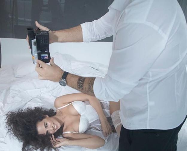 Kamens'kyx pozuje na kameru v seksual'nomu vbranni / instagram.com/kamenskux