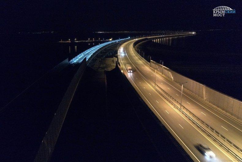 Оккупанты готовятся запустить поезда по Крымскому мосту
