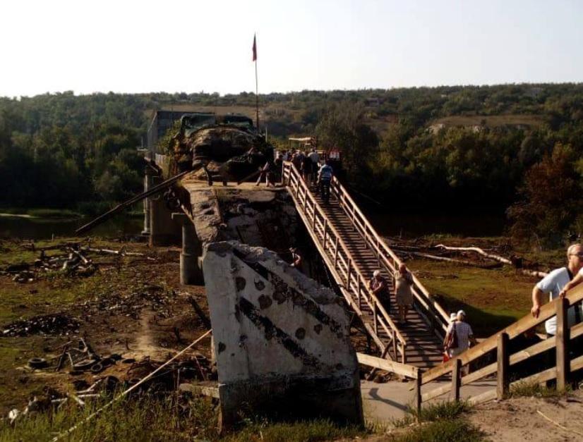 Окупанти так і не розпочали демонтаж укріплень в Станиці Луганській / Facebook, Операція об'єднаних сил / Joint Forces Operation