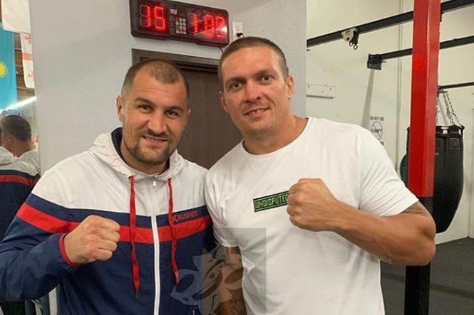 Сергій Ковальов та Олександр Усик / фото: instagram.com/sergeykrusherkovalev