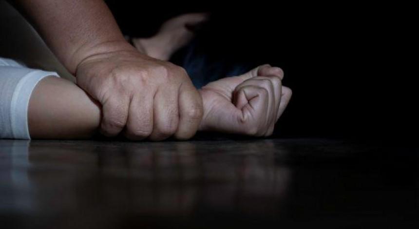 В Одесі 10 чоловіків зґвалтували двох дівчат – ґвалтівників ще не спіймали