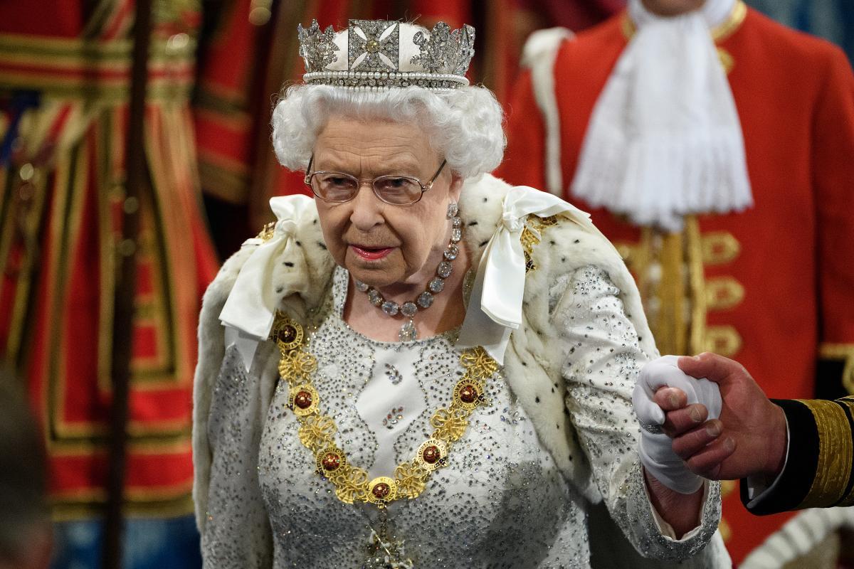 Бабушка – королева: любимая внучка Елизаветы II не знала о ее титуле photo