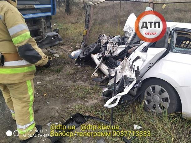 Дівчина загинуламиттєво / фото: dtp.kiev.ua