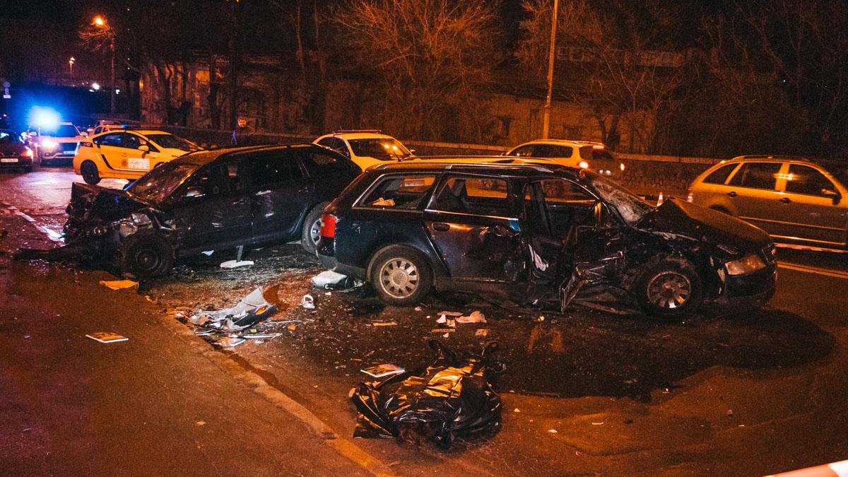 В Киеве Audi влетела в Skoda на встречке – погибла девушка, есть пострадавшие