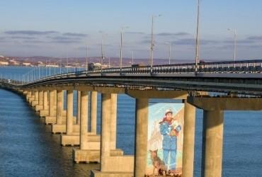 U mereži vysmijaly dyvne novovvedennya na Kryms'komu mostu (foto)